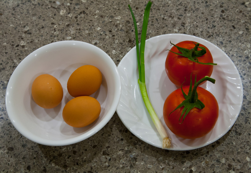 Stir-fried Tomatoes and Scrambled Eggs - Ingredients