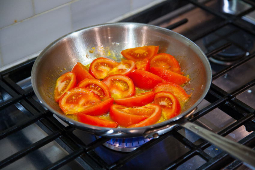 Stir-fried Tomatoes and Scrambled Eggs - Preparation