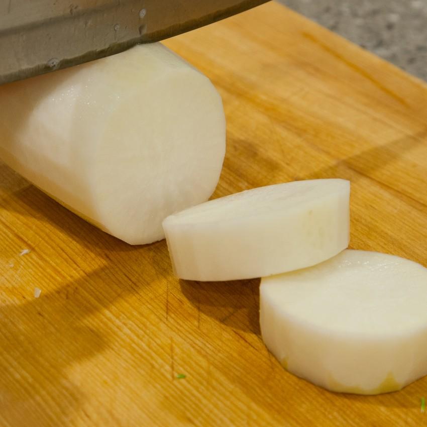 Daikon Pork Bone Soup - Preparation