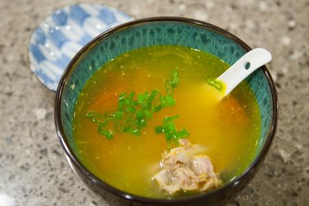 Tomato Onion Pork Bone Soup (番茄洋葱排骨汤) - Completed