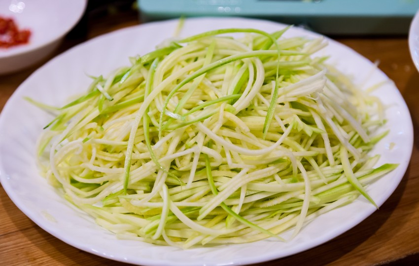 Raw Zucchini Salad - Preparation