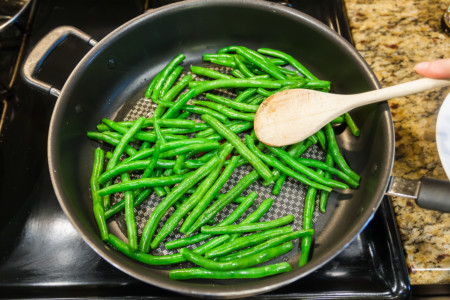 Sauteed Green Beans with Potatoes - Preparation