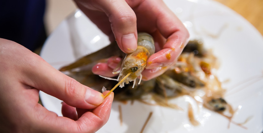Braised Prawn or Shrimp - Cleaning Shrimp