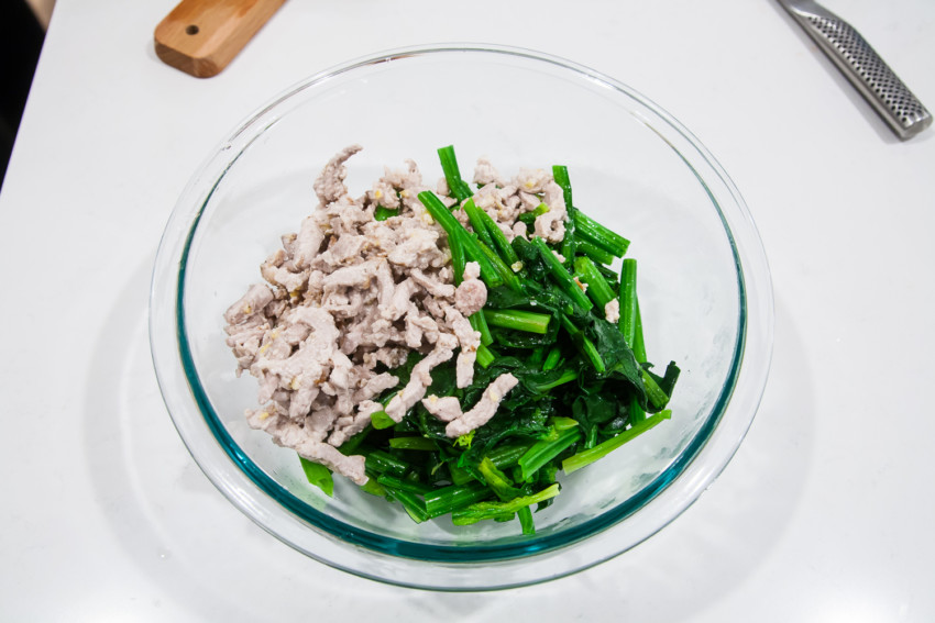 Spinach Tomato Salad - Preparation