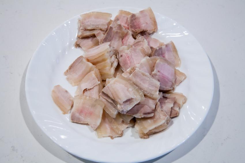 Twice Cooked Pork - Slicing Pork