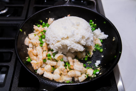 Shrimp Fried Rice with Peas and Eggs - Preparation