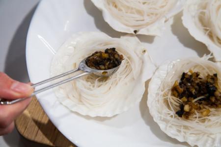 Steam Garlic Scallops with Vermicelli - plating