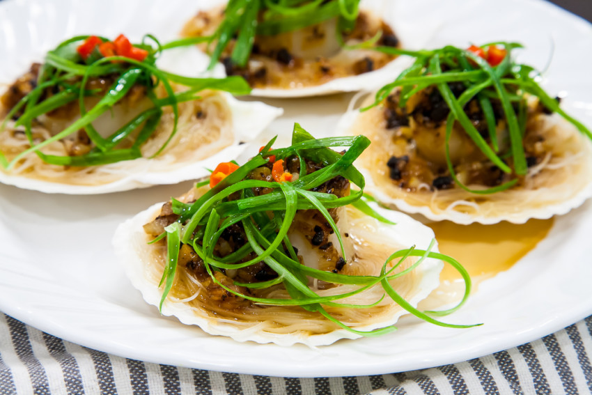 Steam Garlic Scallops with Vermicelli - Completed Dish
