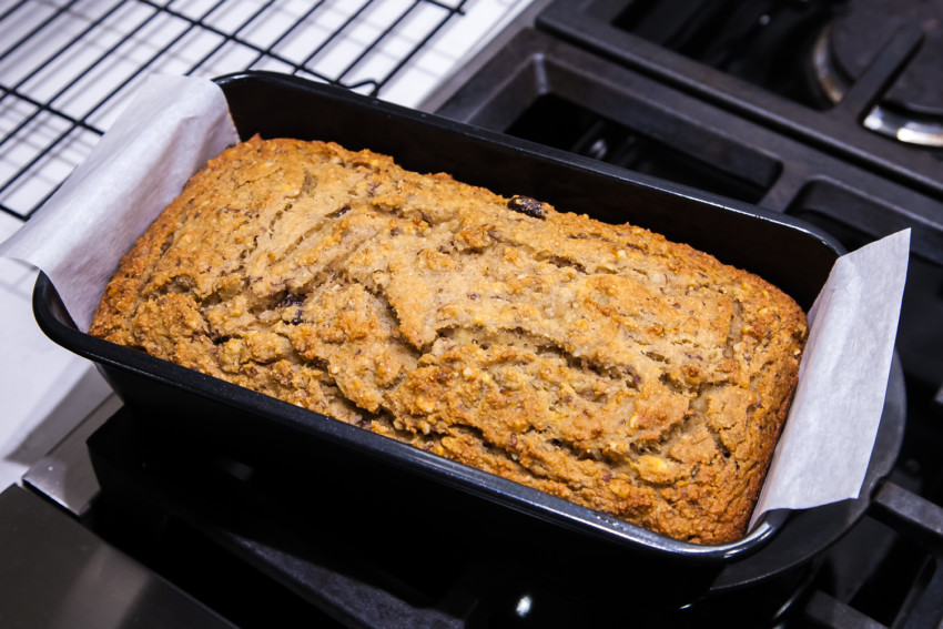 Almond Flour Banana Bread with Walnuts and Raisins - Preparation