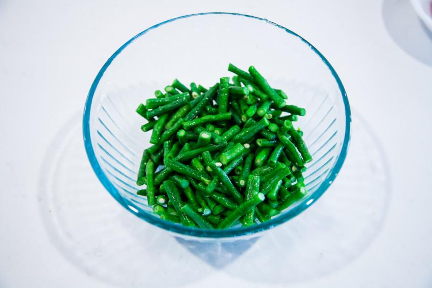 Chinese Long Bean Salad - preparation
